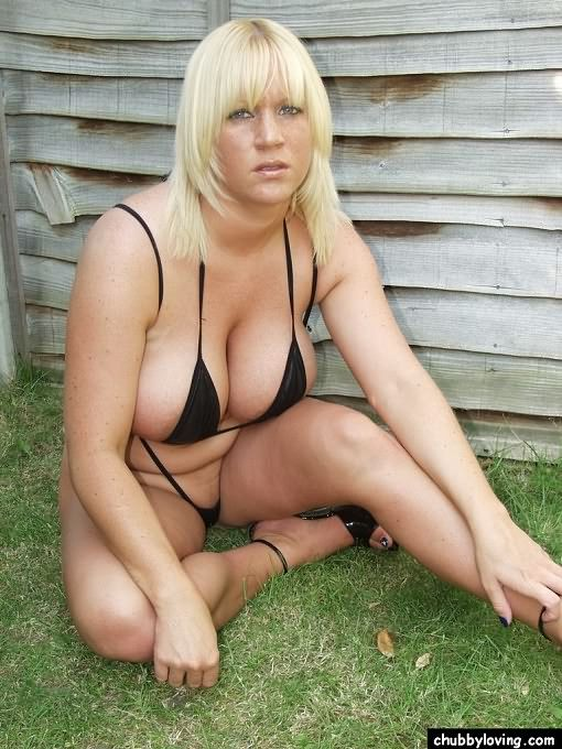 Blond bbw loves the outdoors