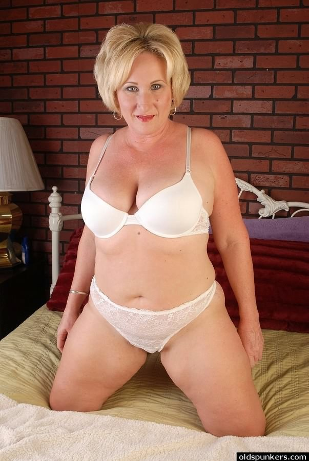 Spread pussy mature chubby shaved
